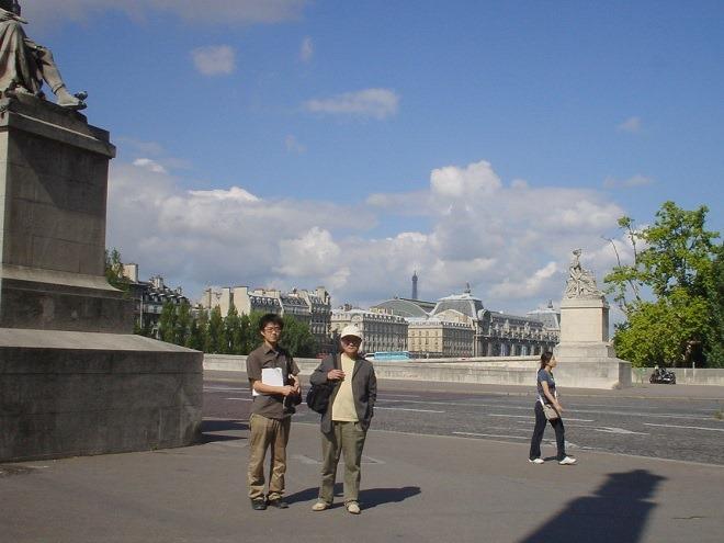 カルーゼル橋とオルセー美術館