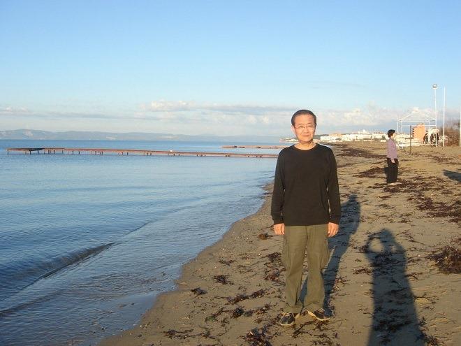 エーゲ海海岸端にて