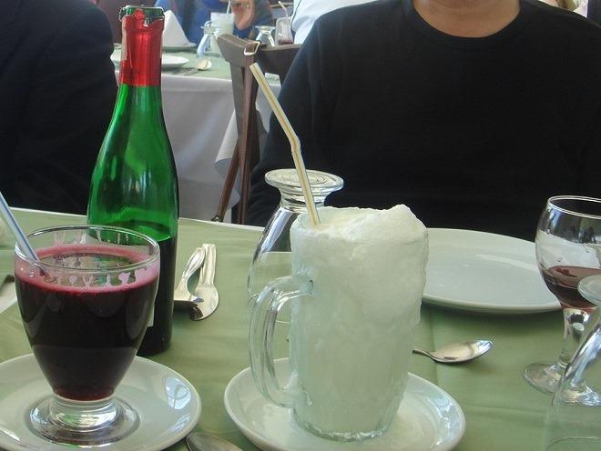 ザクロジュースと塩ヨーグルト