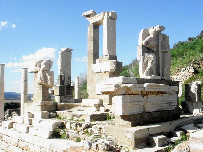 メミウス記念碑