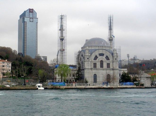 ドルマバチェフモスク