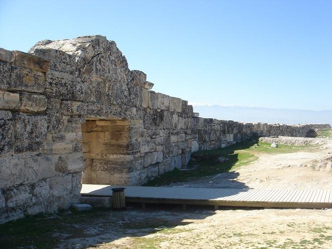 南ビザンツ門と城壁
