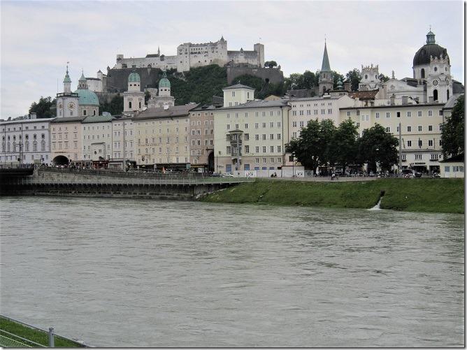 シュターツ橋からザルツブルク城を