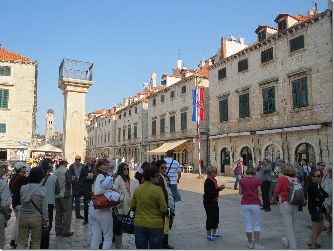 ルジャ広場からプラツァ通り方面を