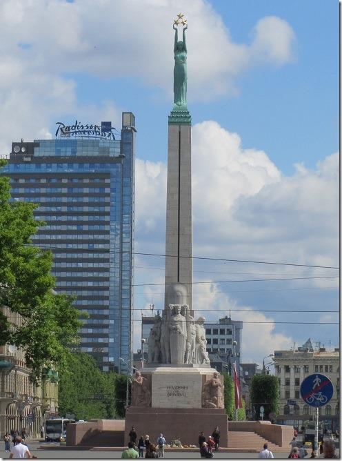 自由記念碑