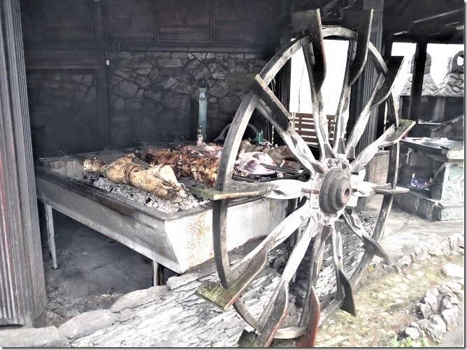 焼き豚と水車