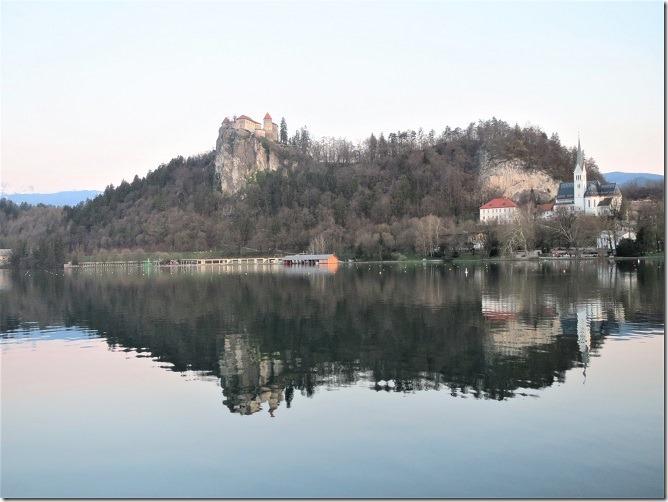 ブレッド城早朝の光景