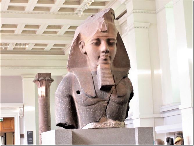 05ラムネス2世の胸像