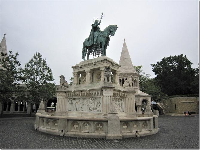 イシュトバーン騎馬像