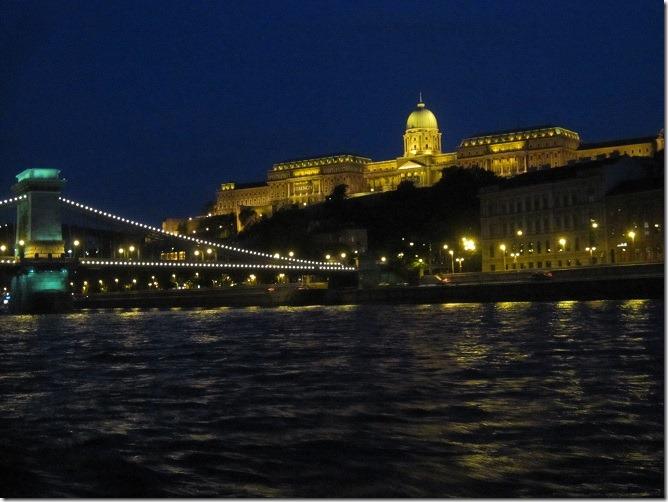 07くさり橋とブダ城